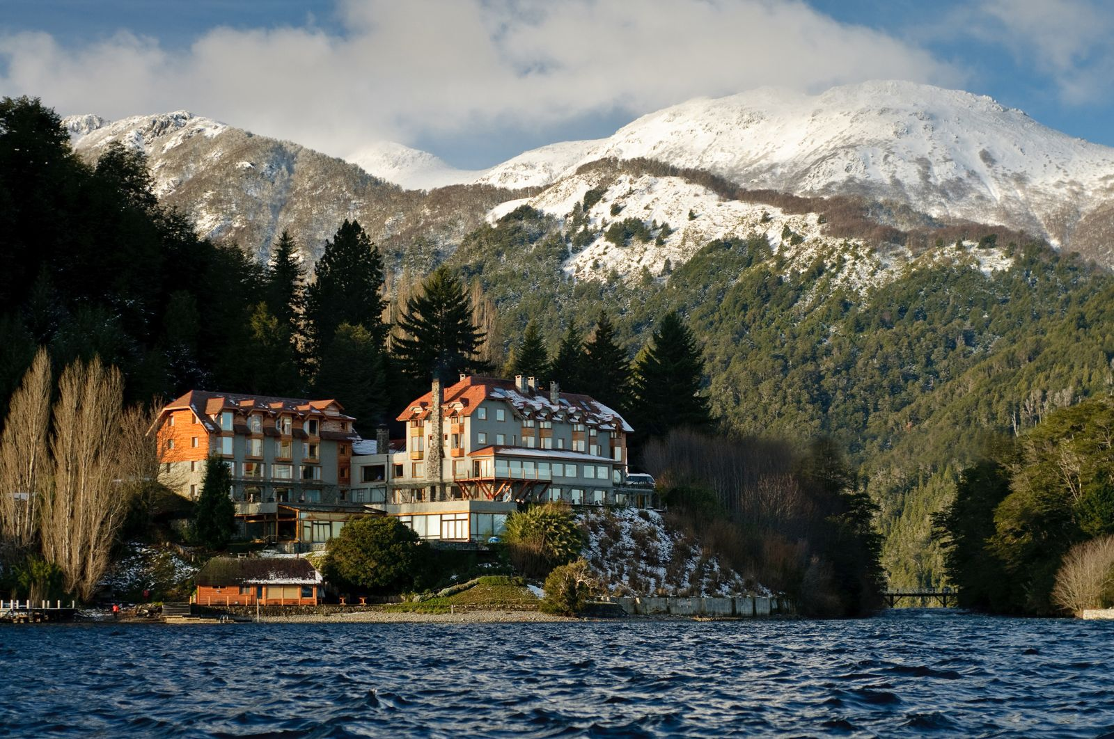 Correntoso Lake & River Hotel